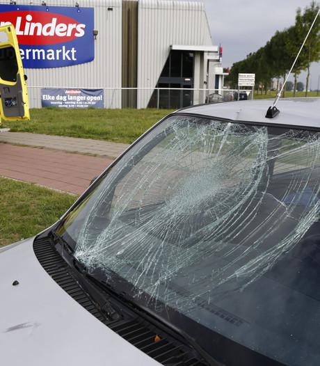 Fietsster geschept door auto in Cuijk