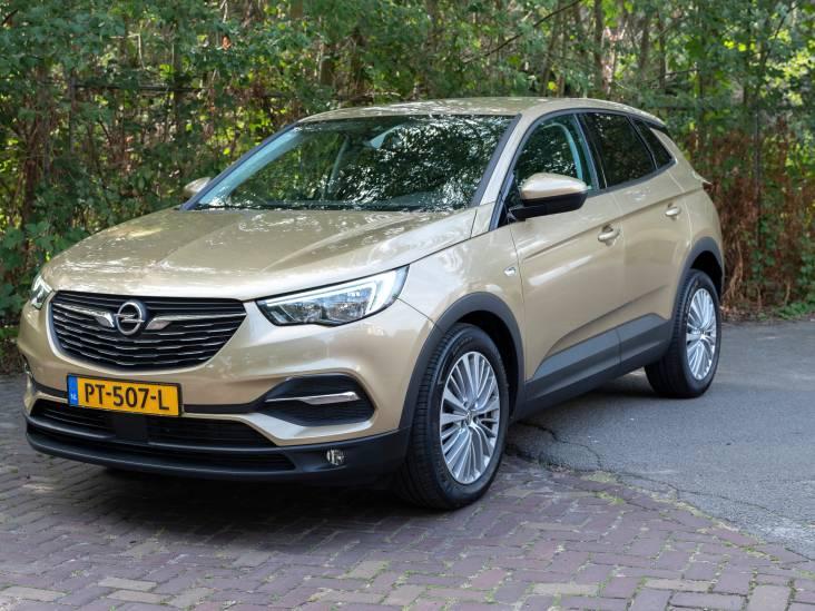 Test Opel Grandland X: stoere SUV met zee aan ruimte