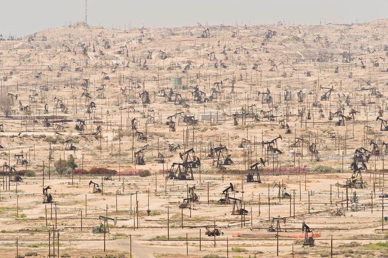 Het Kern River Oil Field, kaal en desolaat.