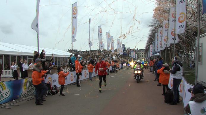De laatste deelnemer die de finish haalde.