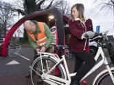 Geen boetes maar fietslampjes voor Hengelose schooljeugd