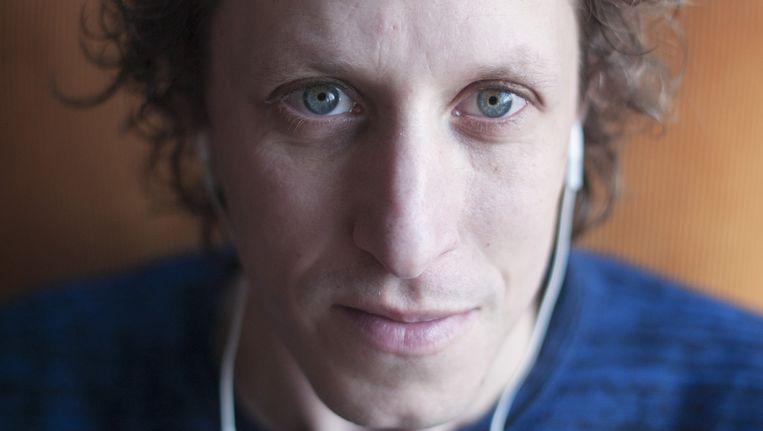 Micha Wertheim: 'Een podcast vinden makkelijker dan het zoeken naar een zender op de radio.' Beeld An-Sofie Kesteleyn