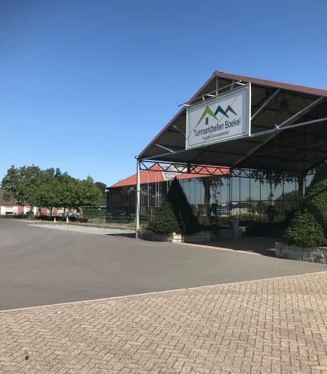Corona dwingt Tuinmarkthallen Boekel tot najaars-outlet