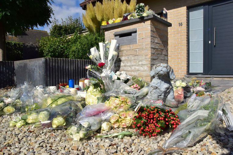 Enkele dagen na de feiten werd aan de woning een stille wake gehouden voor het slachtoffer. Vele tientallen mensen legden toen bloemen neer en lieten kaarsjes achter.