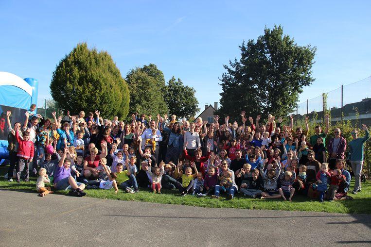 Een grote groep ouders en kinderen kwamen Marcia De Keyser en Marcel De Clercq nog eens bezoeken.