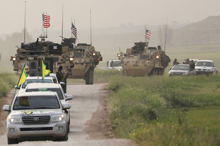 Koerdische strijders van YPG aan de Turkse grens.