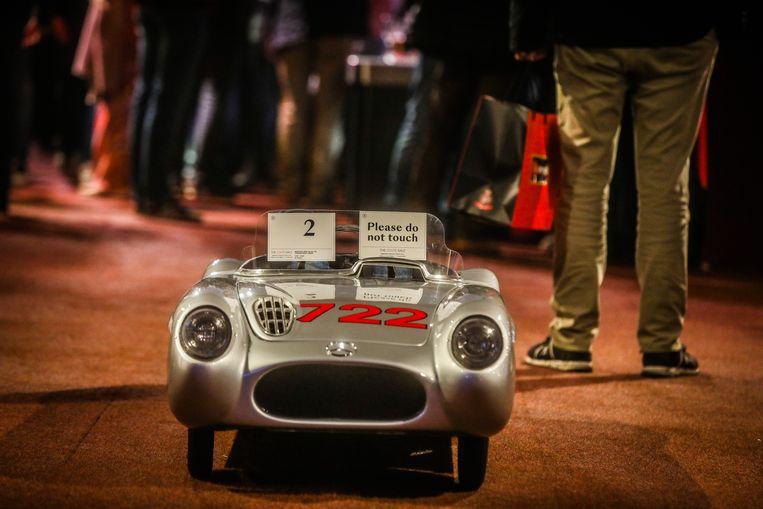 Bonhams veiling Zoute Grand Prix: Mercedes 300 SLR voor de allerkleinsten: 13.800 euro.