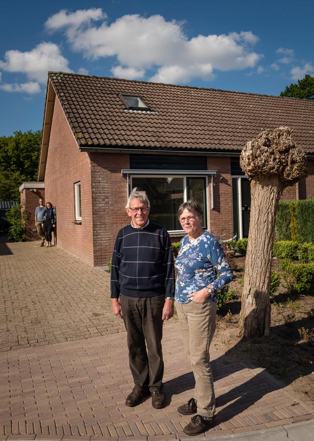 Het echtpaar Mollenhof trekt in het huis waarin het echtpaar Bakhuis woonde.