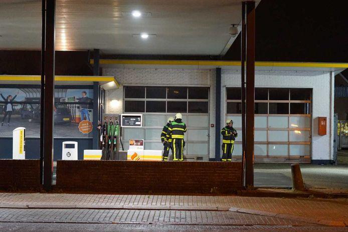 De politie heeft samen met de brandweer maandagavond een cocaïnewasserij aangetroffen in de Dorpsstraat.