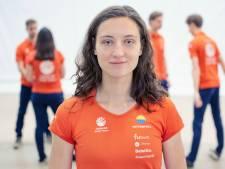 Sylke (23) is gek op zonneauto van TU Delft: 'Technische studie niet alleen voor mannen weggelegd'