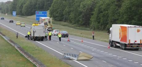 File op A1 bij Markelo door ongeval met vrachtwagens
