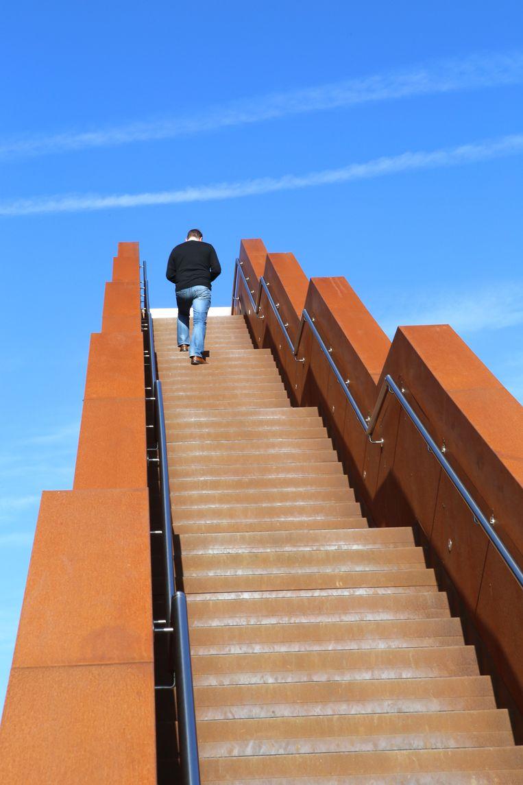 Social distancingregels moeten gerespecteerd worden op de Vlooybergtoren.