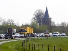 Zevenaarse wethouder wil tractorstroken in provinciale Rivierweg