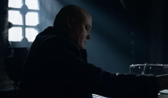 Varys plot de moord op zijn drakenkoningin.
