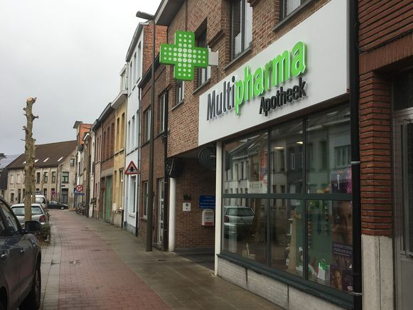 Apotheek Multipharma langs de Battelsesteenweg in Mechelen