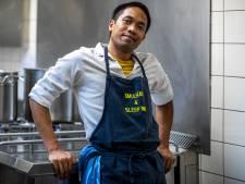 Nanang (37) leefde op straat, maar heeft nu een studio en hij kookt voor daklozen: 'Ik wil helemaal opnieuw beginnen'