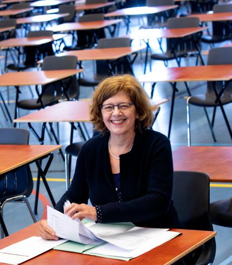Docente Lea Gulikers voelt zich gezegend met het nakijken van examens Frans