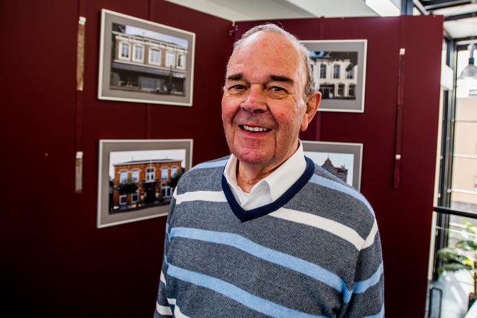 Tonny Holtgrefe heeft zijn expositie in het Kunstencentrum Waalwijk helemaal ingericht.