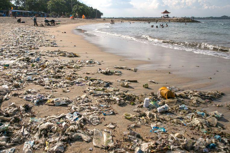 Plasticvervuiling, hier op het Indonesische eiland Bali, is een van de grote ecologische uitdagingen.