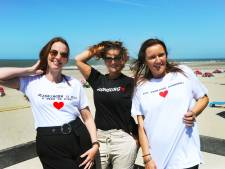 In Domburg zijn ze weer blij met de toeristen en dat laten ze zien!