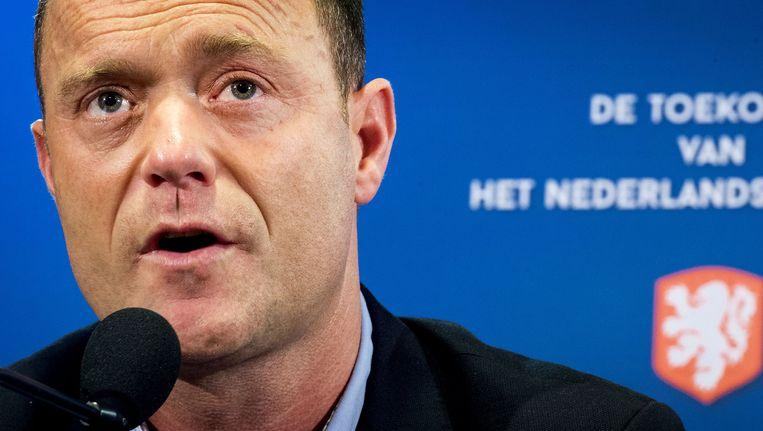 Bert van Oostveen, directeur KNVB, staat de pers te woord na afloop van het voetbalcongres van de KNVB in de Galgenwaard. Beeld anp