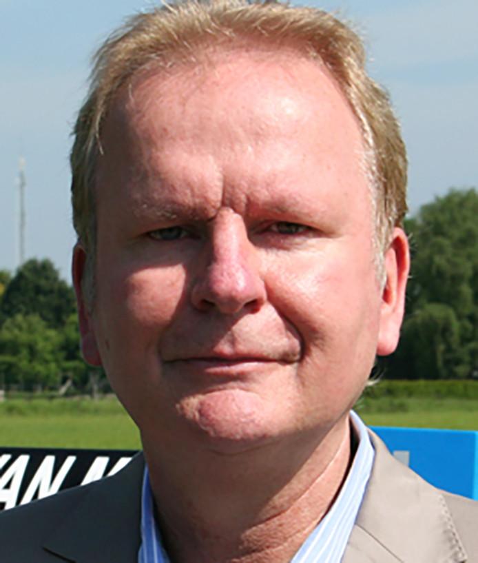 Bas van Meurs is geheel onverwachts overleden. Zijn afscheidsdienst is op vrijdag 7 december.