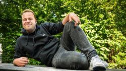 """Sander Gillis houdt van z'n 'eeuwige' studentenleven: """"Geen lief, geen huis, geen carrièreplan, geen probleem"""""""