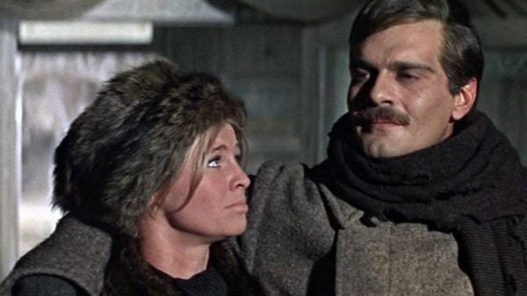 Omar Sharif en Julie Christie in Doctor Zhivago van David Lean Beeld