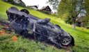 Foto's van de gecrashte sportwagen