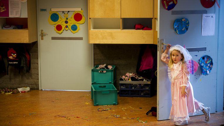 Volgens critici behandelen sommige ouders hun kind als een prinsesje. Beeld ANP