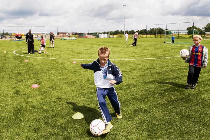 Een eigen voetbalschool bij Arnhemse Boys voor wie maar wil.