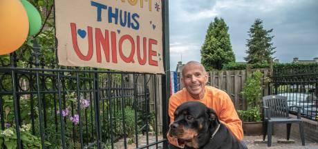 Herman uit Groesbeek eindelijk weer herenigd met hond Unique: 'Hebben haar gelijk geborsteld'