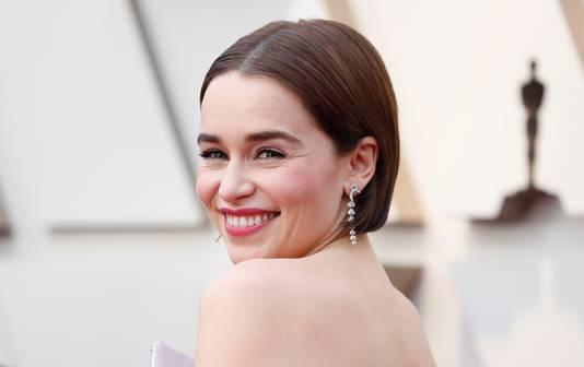 Emilia Clarke tijdens de uitreiking van de Oscars in februari van dit jaar.