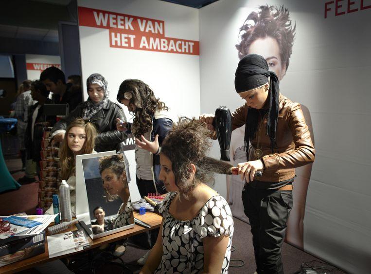 Oriëntatie op de arbeidsmarkt in de Week van het Ambacht in Den Haag, 2011. Beeld Martijn Beekman