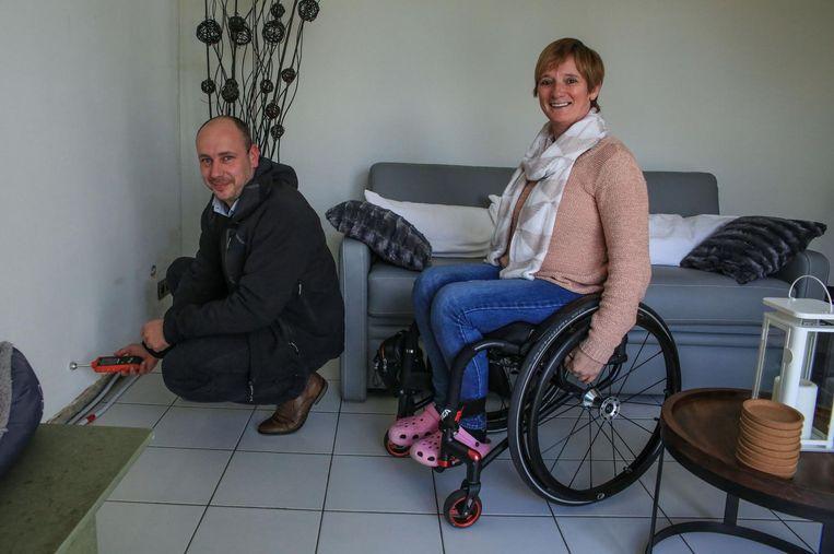 Bart Deneckere hielp Anita Verschuere bij de renovatie van haar woning.