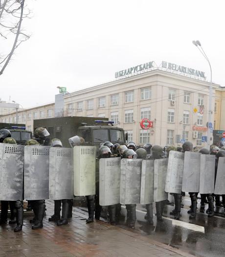 Politie grijpt hard in bij demonstratie in 'laatste dictatuur van Europa'