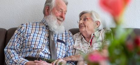 Borns echtpaar heeft na 65 jaar nog lol met elkaar