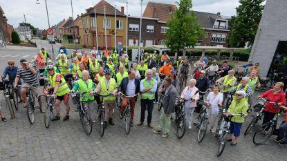 Senioren fietsen naar het zuiden