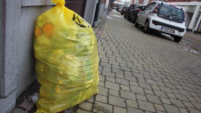 Te kleine gele huisvuilniszak wordt opnieuw verkocht (maar aan een lagere prijs)