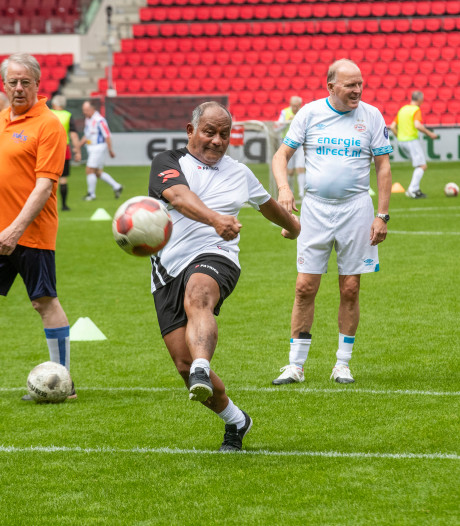 Senioren hebben voetbaldag van hun leven PSV-clinic voor 65-plussers