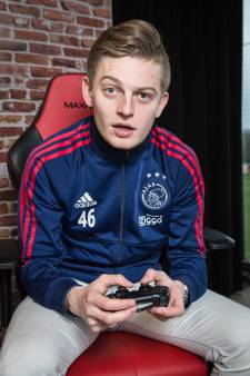 Amersfoorter Dani (20) speelt FIFA voor Ajax
