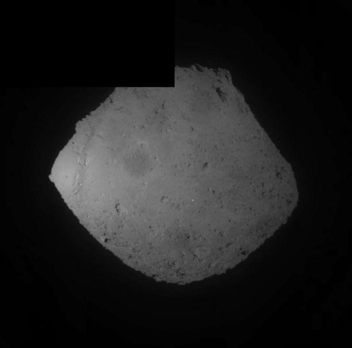 Vandaag liet Hayabusa2 een projectiel los op het oppervlak van asteroïde Ryugu.