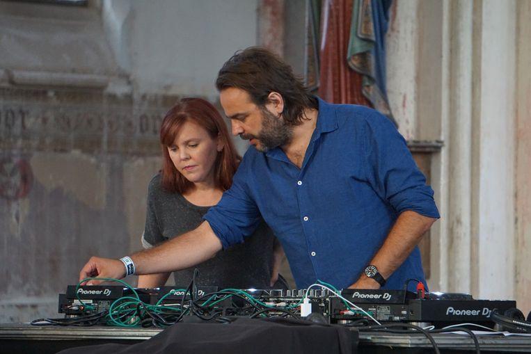 Ayco Duyster en Eppo Janssen komen net als vorig jaar naar Leffingeleuren met duyster.live, een muziekconcept gebaseerd op het voormalige radioprogramma van bij Studio Brussel