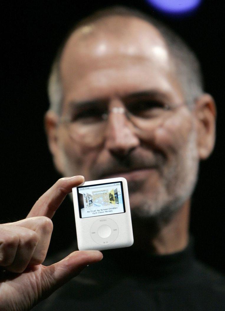 ...met de iPod Nano... © Reuters Beeld