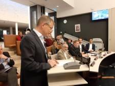 Peppelman stemde tegen Paul Hofman die niet wilde verhuizen, maar hij verhuist nu zelf niet