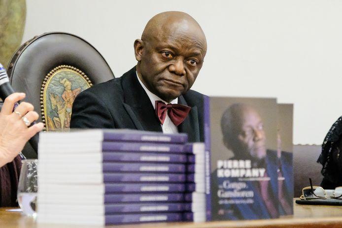 Kompany kwam als politiek vluchteling in 1975 van Congo naar België. Hij is Brussels parlementslid en werd eind 2018 de eerste zwarte burgemeester van België.