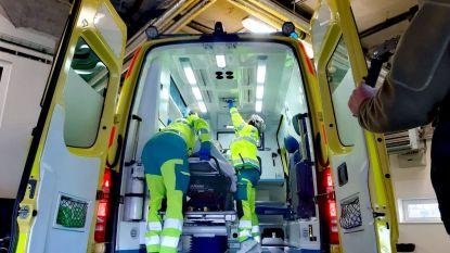 Arbeider raakt zwaargewond na val van dak