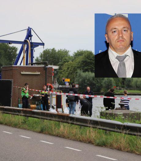 Duikers zoeken in Amsterdam-Rijnkanaal in verband met dood Albanese Festim Lato uit Afferden