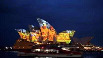 Sydney Opera House eert brandweermannen en slachtoffers van bosbranden met pakkende beelden