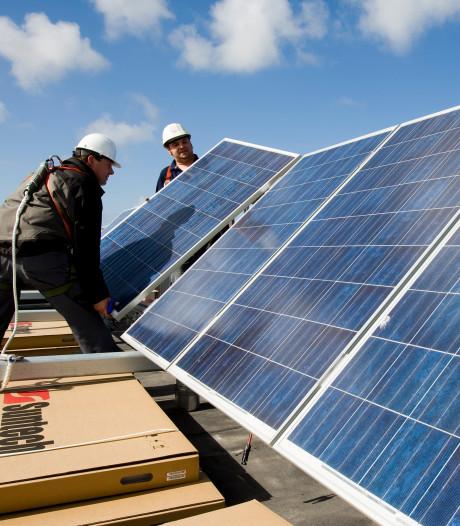 Zonnepanelen op Dordtse schooldaken: 'Besparing van 1200 euro per jaar'